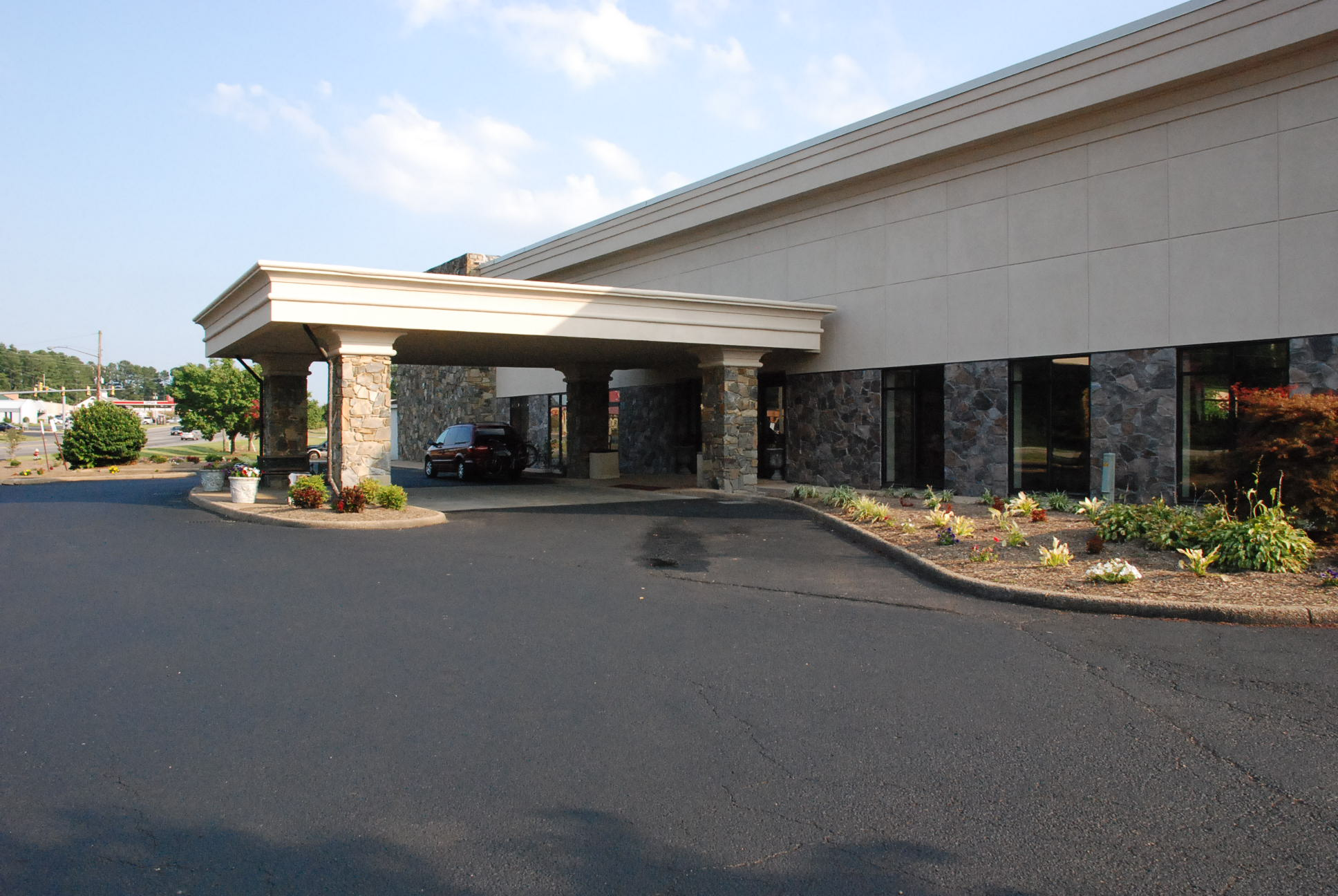 Commercial Real Estate Auction Hotel And Conference Center At 500 Merrimac Trail Williamsburg